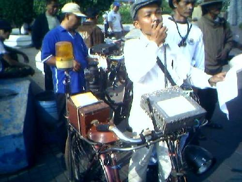 Ayo Ontel Goes to Bali