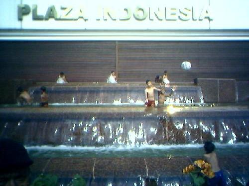 anak2 jalanan plaza indonesia