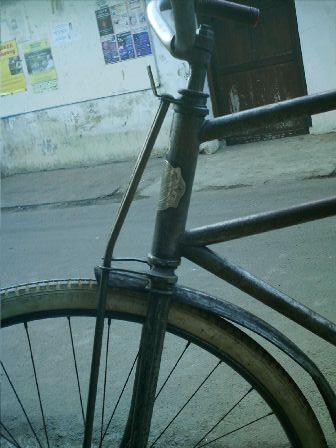 fork depan (PF)