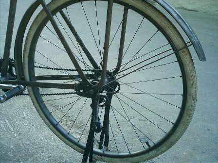 roda belakang (PF)