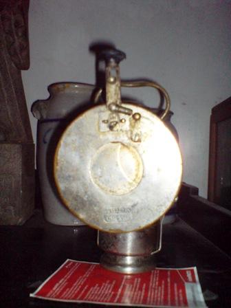 LAMPU MEREM-MELEK
