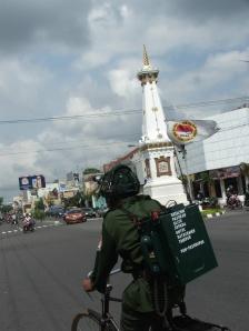 WASPADA !!! utk para bakul bersepeda jangan termakan bujuk rayu oleh sosok orang seperti di atas