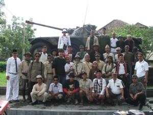 di depan komplek Kavaleri daerah Turangga