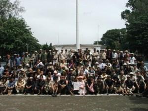 foto bareng peserta di halaman balaikota bandung
