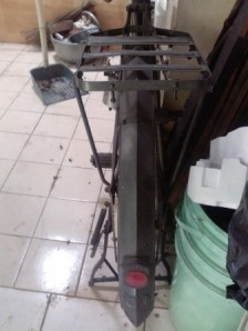 spakbor yg khas meruncing di bagian tengah