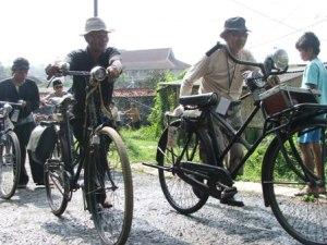 atawa opa dr PSB juga yg bawa transportfietsen..