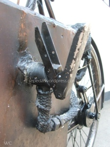 katup utk buka tutup uap yang dihasilkan