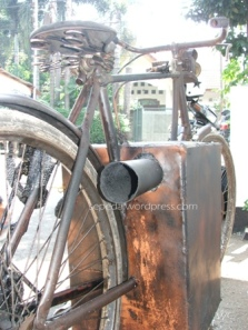 lubang pembuangan asap dr pembakaran batubara/arang