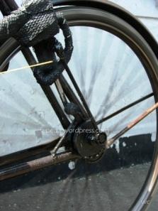 ini sebenarnya gambar ketika roda sedang berputar lumayan cepat lho