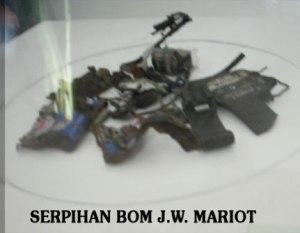 serpihan bom yang meledakkan hotel JW Mariot