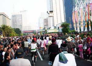 luberan masyarakat di jalan thamrin