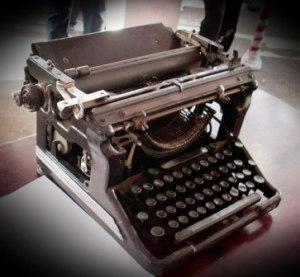 mesin tik untuk membuat naskah proklamasi