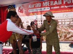 Juara peserta tertua