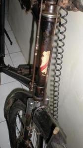 2-Leher Depan