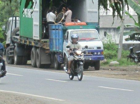 SELAMATKAN POPULASI SEPEDA 'TUA' ONTHEL INDONESIA
